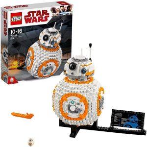 Lego robot realista
